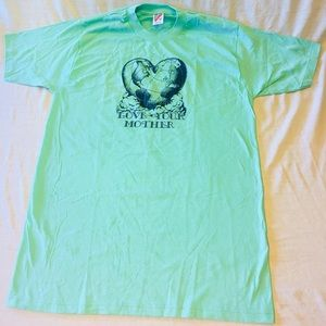 Vintage single stitch Mother Earth t shirt large